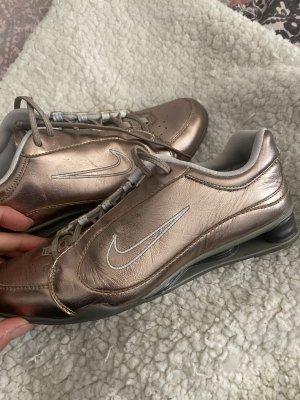 Nike sneaker neu in 37