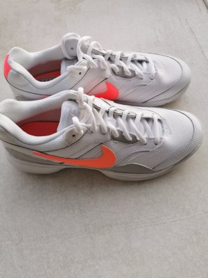 Nike Lace-Up Sneaker white-neon orange