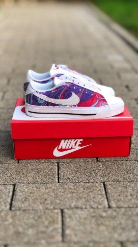 Nike Sneaker personalisiert Größe 38