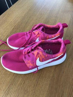Nike Sneaker Pink