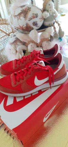 ⚜⚜⚜ Nike Sneaker rot