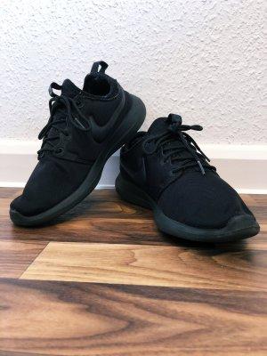 Nike Sneaker Schuhe Sportschuhe Roshe Two schwarz Größe 38 Neu 90€ Damen