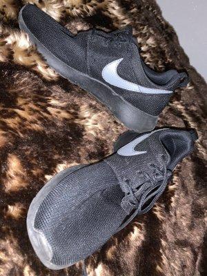 Nike Sneaker stringata nero-grigio