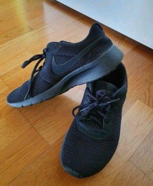 Nike Sneaker, schwarz