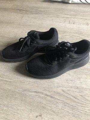 Nike Sneaker schwarz Gr. 38