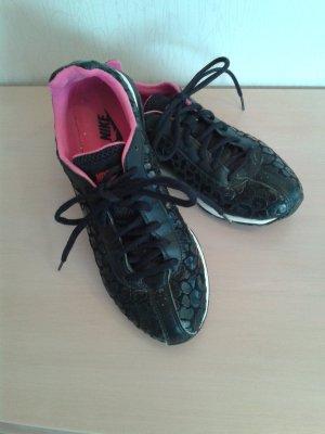 Nike Sneaker schwarz-pink