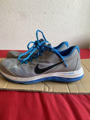 Nike sneaker Sport Schuhe Gr. 38,5