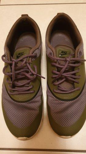 Nike Lace-Up Sneaker khaki