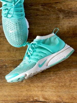 Nike Sneaker türkis mesh Größe 40 slip on