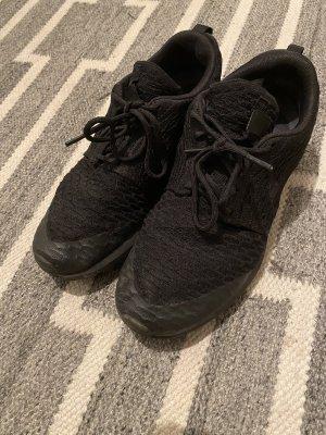 Nike Sneaker Unisex all Black Grösse 39