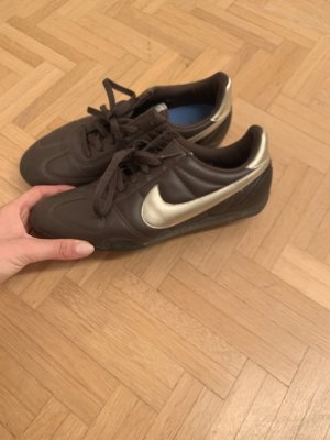 Nike sneakers, dunkelbraun, gold, Gr. 39