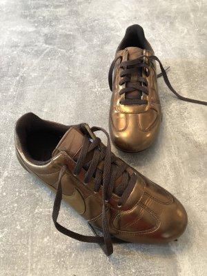 Nike Sneakers Gr 37,5. bronze. KP 120€