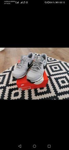 nike - Sneakers - grau - 38 - NEU