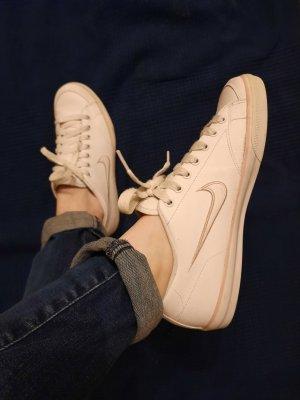 Nike Sneakers in Weiß aus Leder