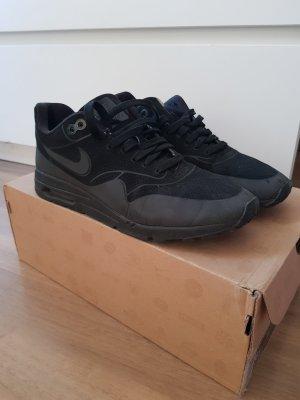 NIKE Sneakers/ Laufschuhe schwarz