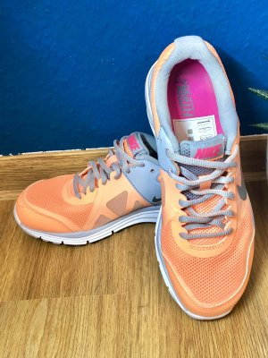 Nike Sneakers Neuwertig