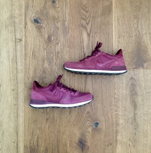 Nike Lace-Up Sneaker blackberry-red-purple leather