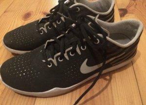 Nike sneakers / Sportschuhe / Schuhe / Laufschuhe