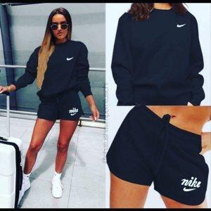 Nike Sommer Set Schort und Pullover