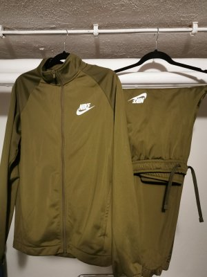 Nike Sportanzug in khaki