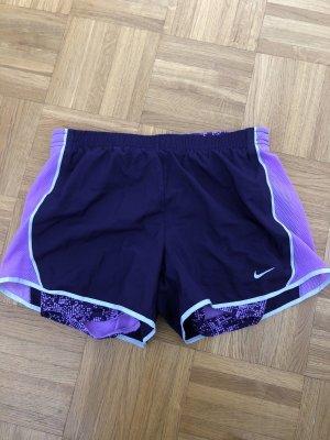 Nike Pantalón corto deportivo lila