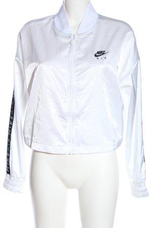 Nike Sportjacke weiß Schriftzug gedruckt sportlicher Stil