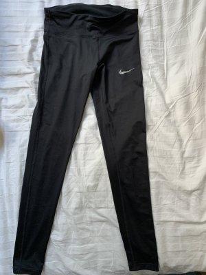 Nike Sportlegging in schwarz.