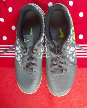 Nike :Sportschuh 1 Tag getragen Grösse 40