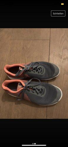 Nike Sneaker con zeppa grigio-arancione