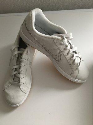 Nike Sportschuhe Größe 38,5