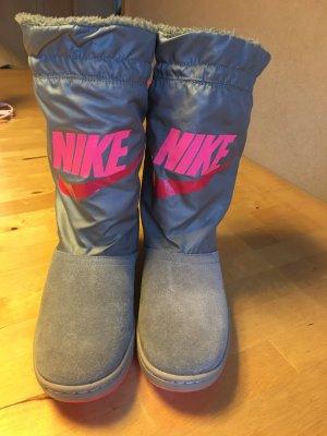 Nike Stiefel neu !