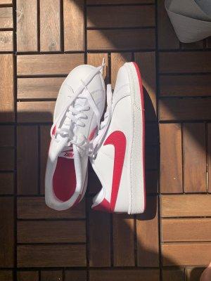 Nike super styles