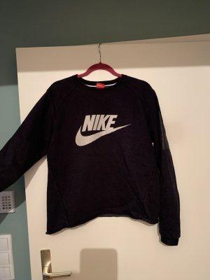 Nike- Sweater