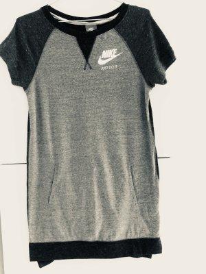 Nike Sweatshirt Kleid sehr weich und bequem