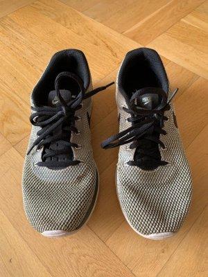 Nike Tanjun Racer, grau, Gr.40 (siehe Foto).