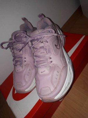 Nike Tekno