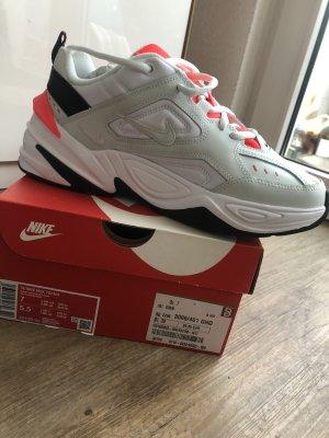 Nike Tekno Neu