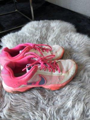 Nike Tennisschuhe 40