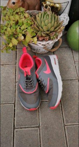 Nike Thea Gr. 38