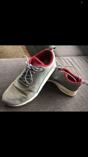Nike Thea Größe 40,5