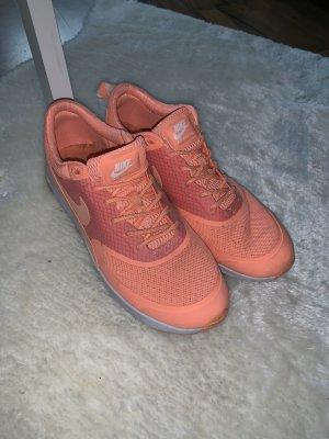 Nike Thea korall