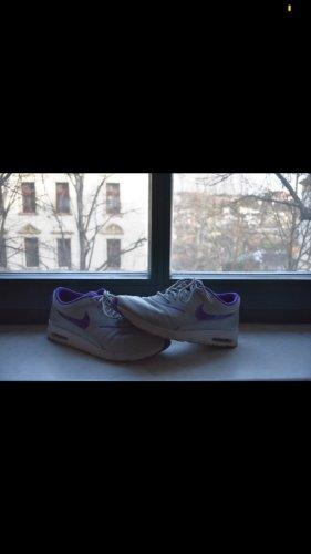 Nike Thea lila/grau