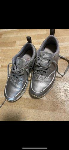 Nike Thea Schuhe
