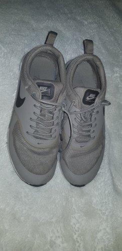 Nike Thea Sneakers Gr. 40 grau