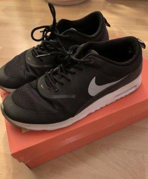 Nike Thea Sneakers Sportschuhe Gr. 40