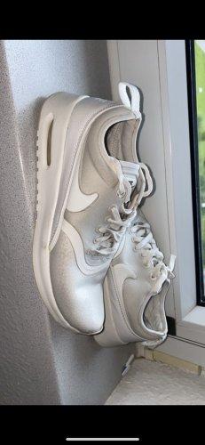Nike Thea Ultra