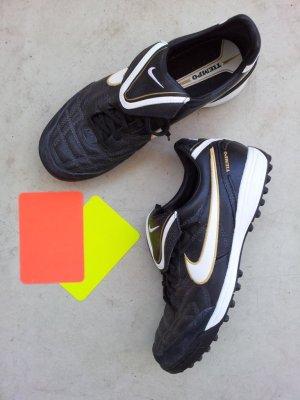 Nike Tiempo X Fußballschuhe in US8/EUR41, Schwarz / Weiß, Leder