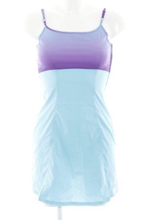 Nike Trägerkleid hellblau-lila Farbverlauf sportlicher Stil