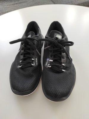 Nike Training Flex TR 5 Größe 40