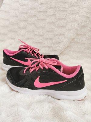 Nike Trainingsschuh in schwarz Pink Gr 41